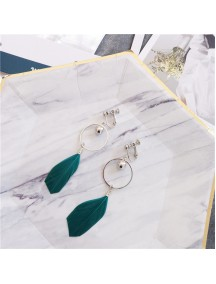 RAT1228 - Aksesoris Hijab Anting Jepit / Clip Green Feather Earring