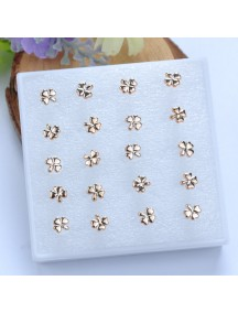 RAT1110 - Aksesoris Anting Gold Clover Earring Box