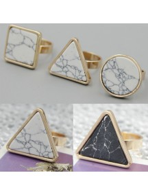 RCC1026W - Cincin Triangle Stone Ring